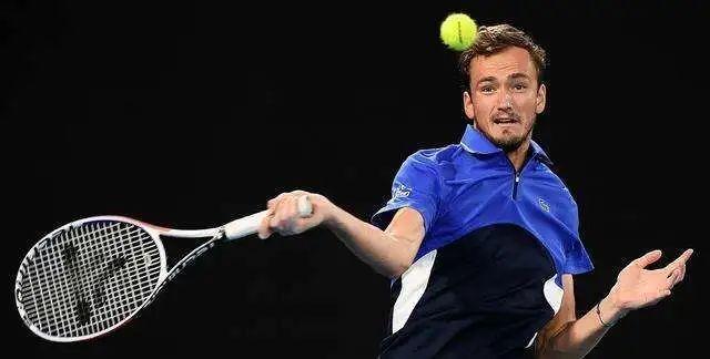 ATP500汉堡公开赛 梅德韦杰夫首轮出局