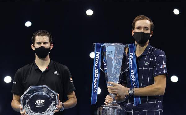 ATP年终总决赛新冠军诞生,没有三巨头依然精彩