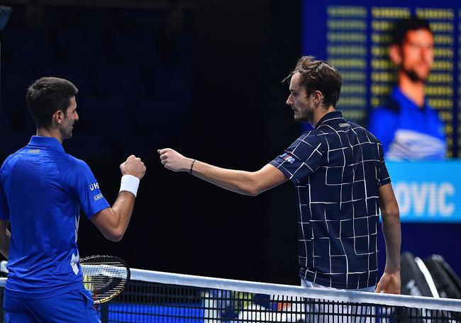ATP年终总决赛梅德韦杰夫打败德约,锁定小组第一