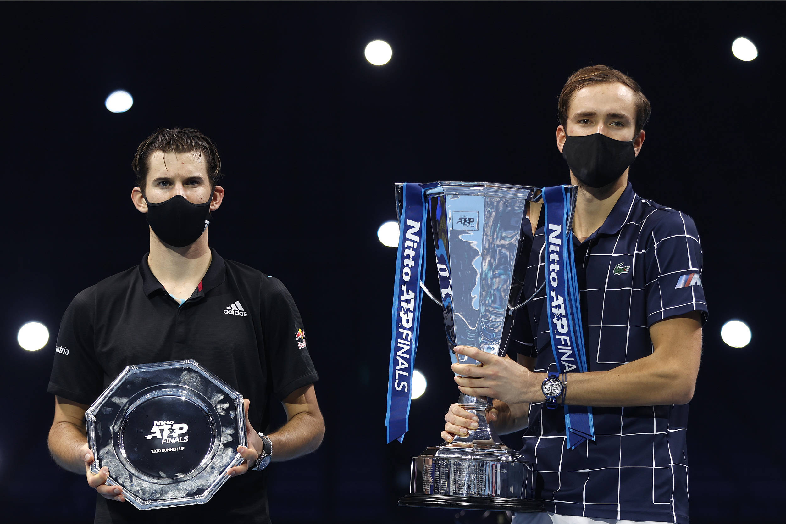 世界网坛2021赛季疫情阴云笼罩,球员奖金下降
