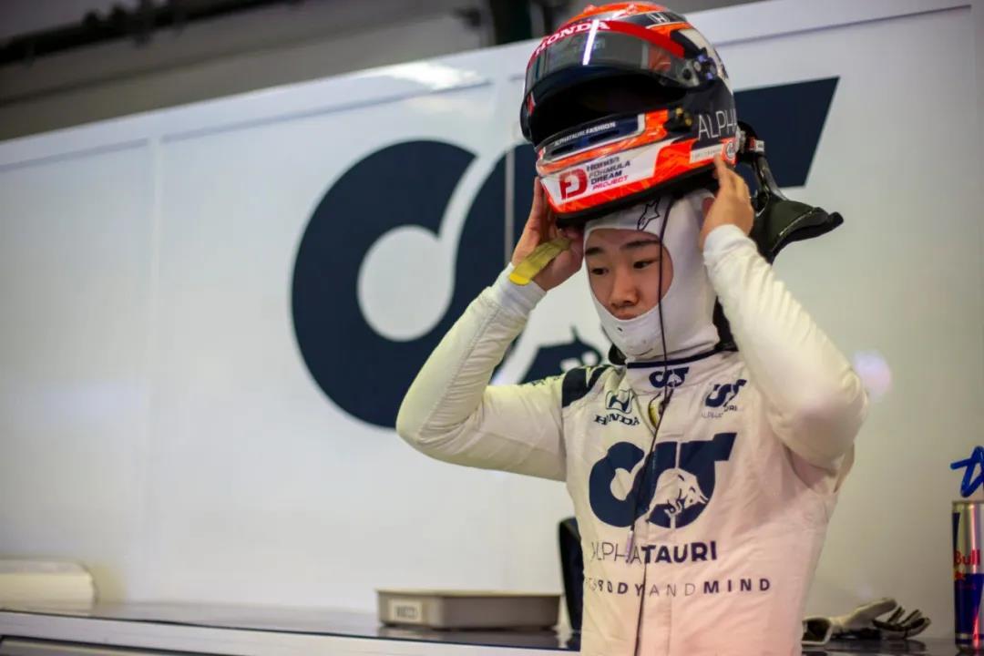 首位00后F1车手角田裕毅备战新赛季