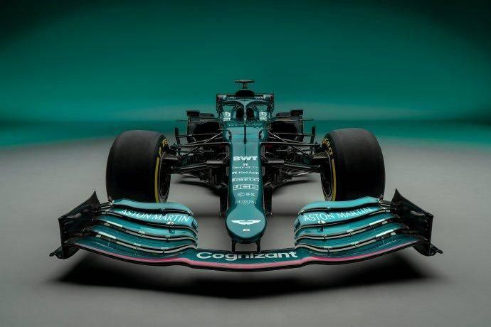 重返F1赛场!阿斯顿马丁车队发布新车
