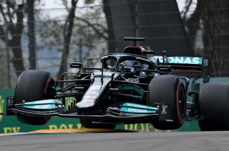 梅赛德斯赛车遭遇轮胎遇困境:轮胎升温慢