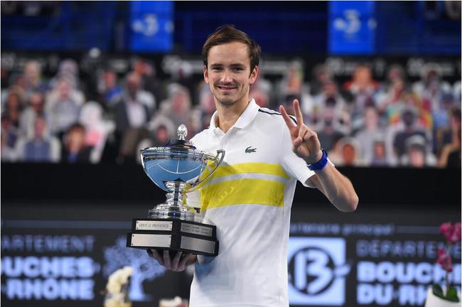 2021法网男单:梅德韦杰夫晋级第二轮