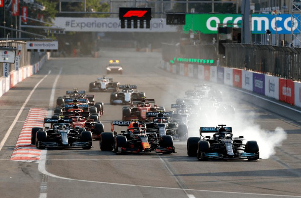 汉密尔顿F1巴库赛操作失误原因:是误碰按钮所致