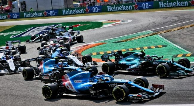 梅赛德斯就F1引擎规则变化做出妥协,希望大众汽车2026年进入F1