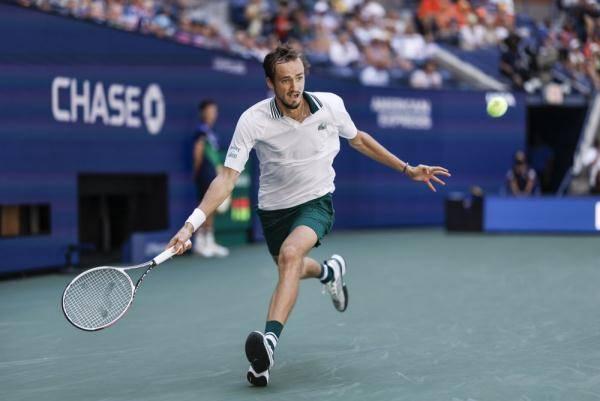 2021年美网男单半决赛比赛时间将至,梅德韦杰夫和00后天才谁能晋级决赛