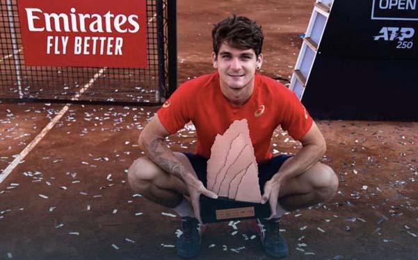 00后夺ATP首冠!19岁巴西小将连胜前两号种子登顶