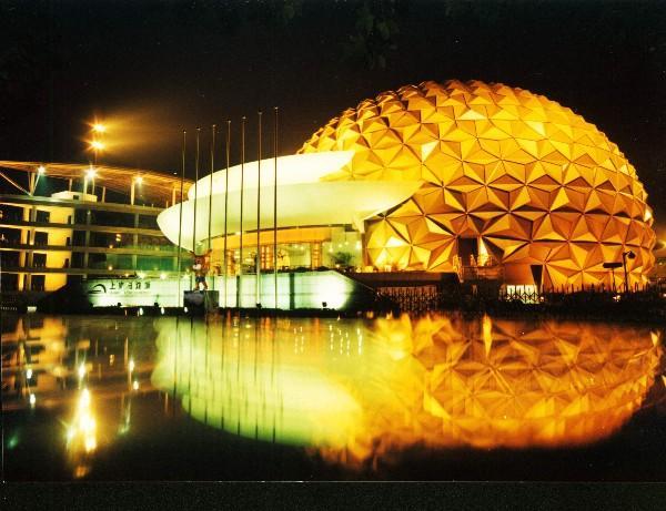 上海马戏城:欢乐马戏呆萌可爱 时空之旅惊险梦幻