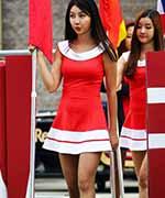 韩国赛车宝贝惊艳F1赛场 性感短裙装秀美腿